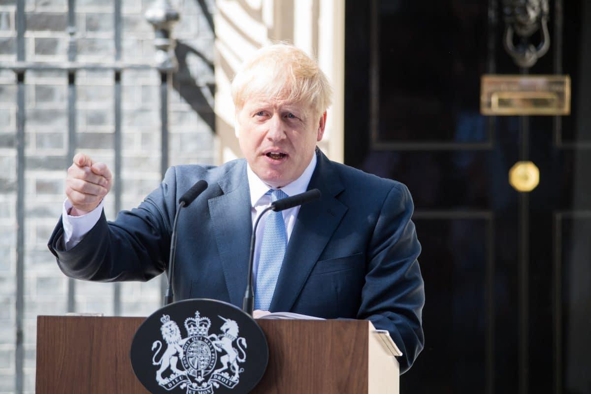 Großbritannien schließt Restaurants, Pubs & Kultureinrichtungen