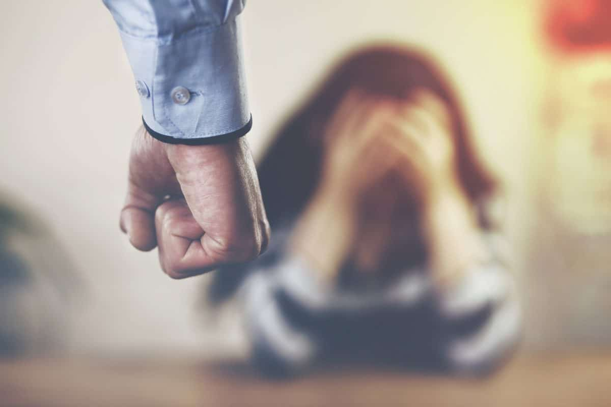 Häusliche Gewalt: Hier kannst du dich während der Corona-Krise melden