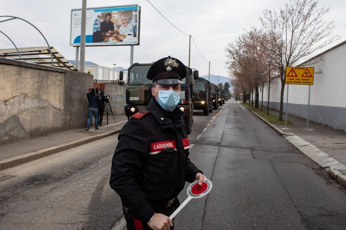 Italien: Wütende Bürgermeister gehen auf die Straße, um Menschen heimzuschicken