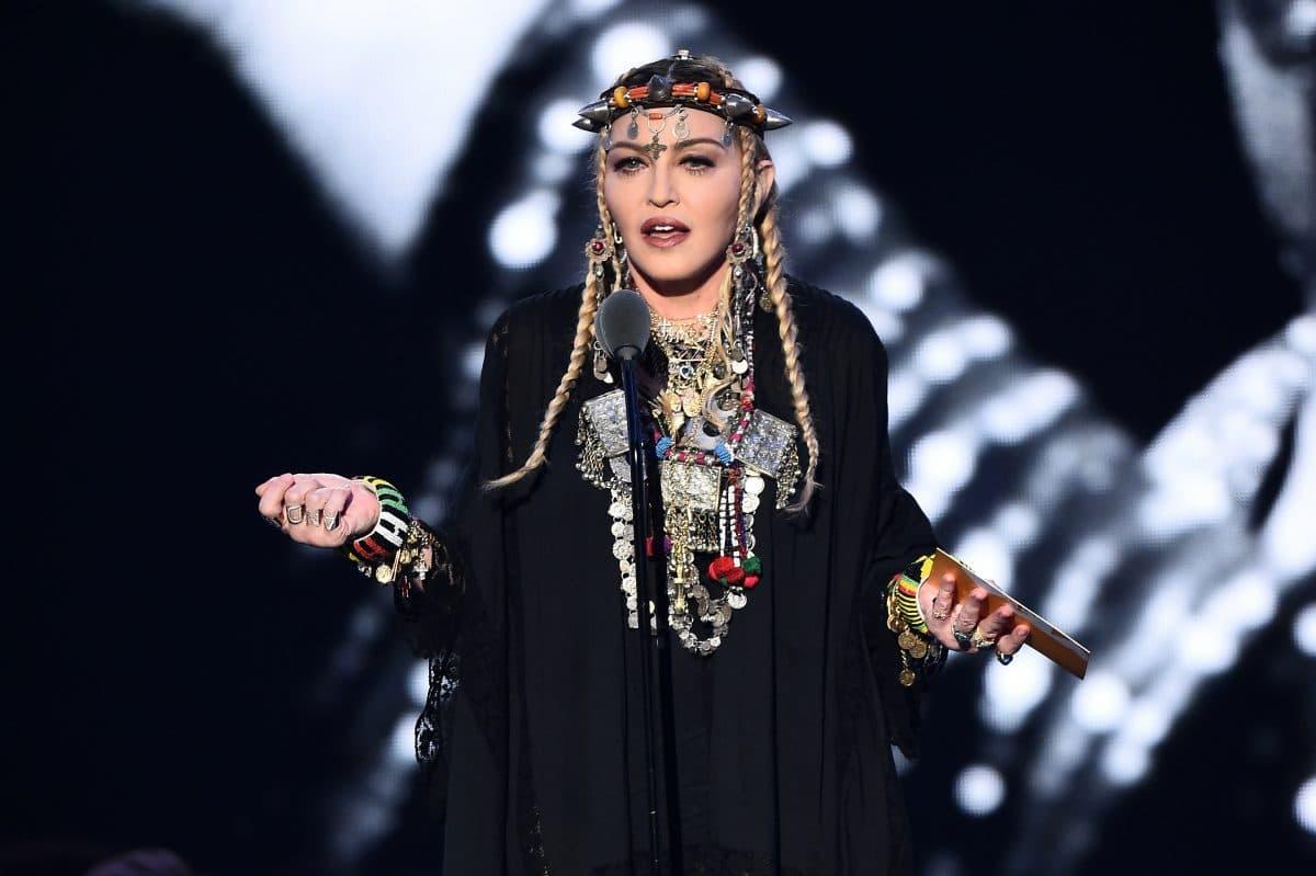 Stars in Quarantäne: Madonna predigt aus Badewanne