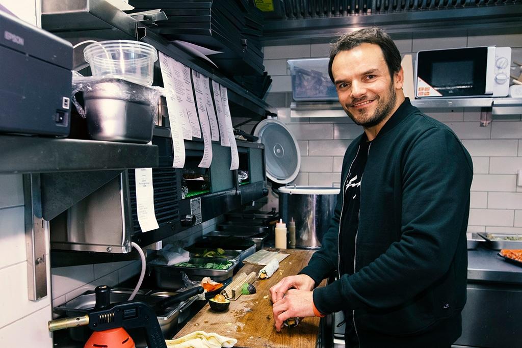 Kitchen Impossible: Wer ist Steffen Henssler?