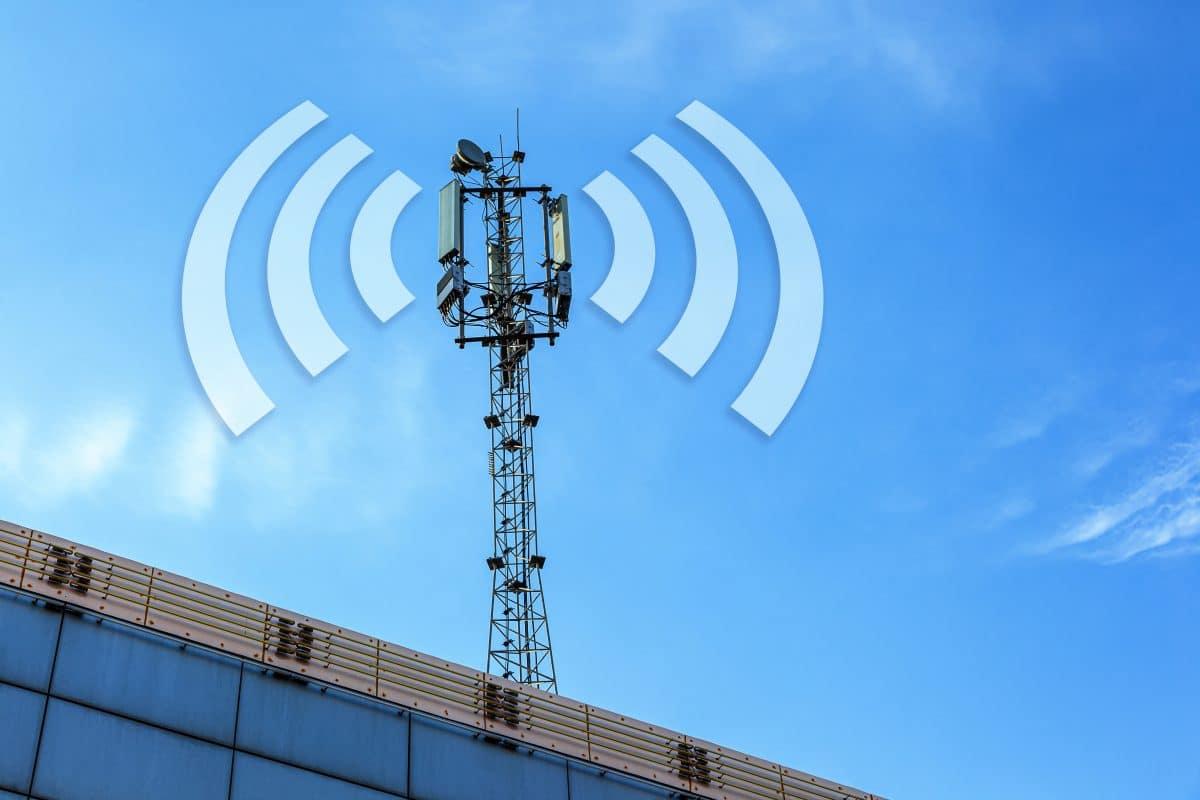 5G-Verschwörungstheorie: Briten zünden Handymasten aus Angst vor Corona an