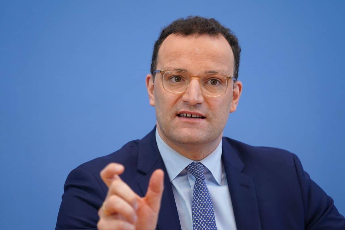 Deutschland: Abstandsregeln müssen noch über Monate eingehalten werden