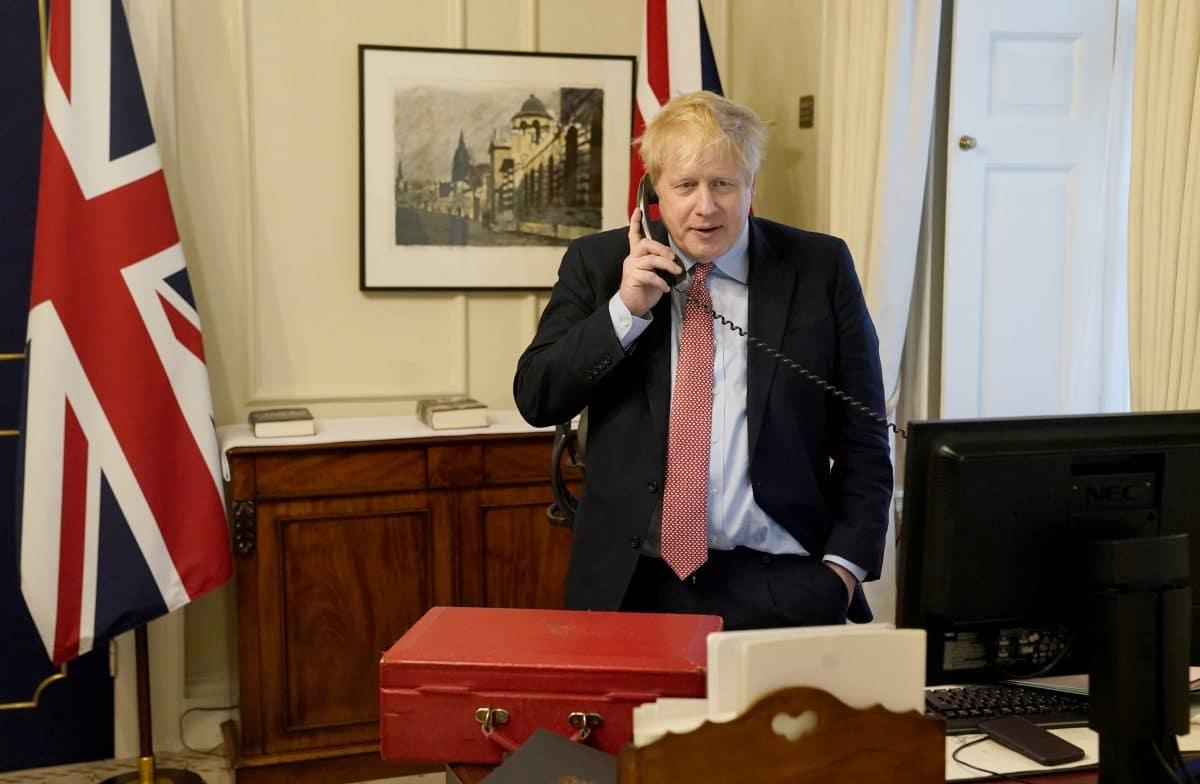 Boris Johnson wegen Corona-Infektion im Krankenhaus