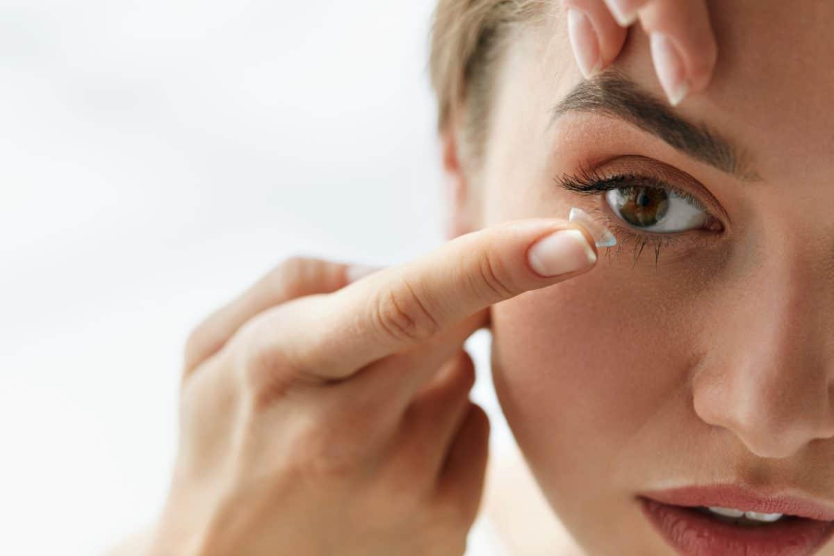 US-Ärzte warnen wegen Coronavirus vor Kontaktlinsen