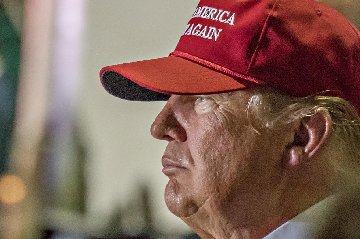 """Donald Trump: """"Wir werden durch das Coronavirus mehr Menschen verlieren als man in einem Weltkrieg verliert"""""""