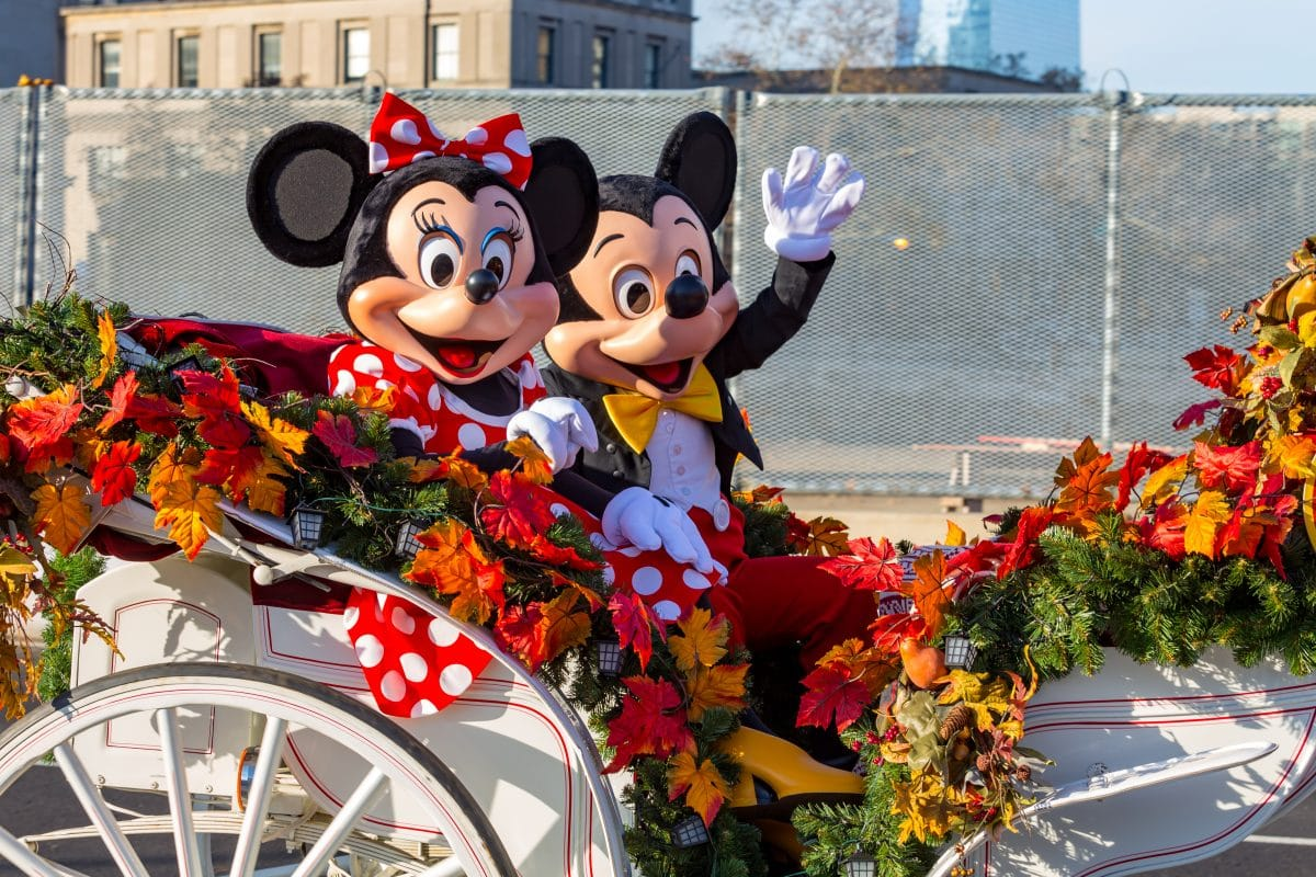 Disney-Parade fand vor der Haustür von krankem Mädchen in Quarantäne statt