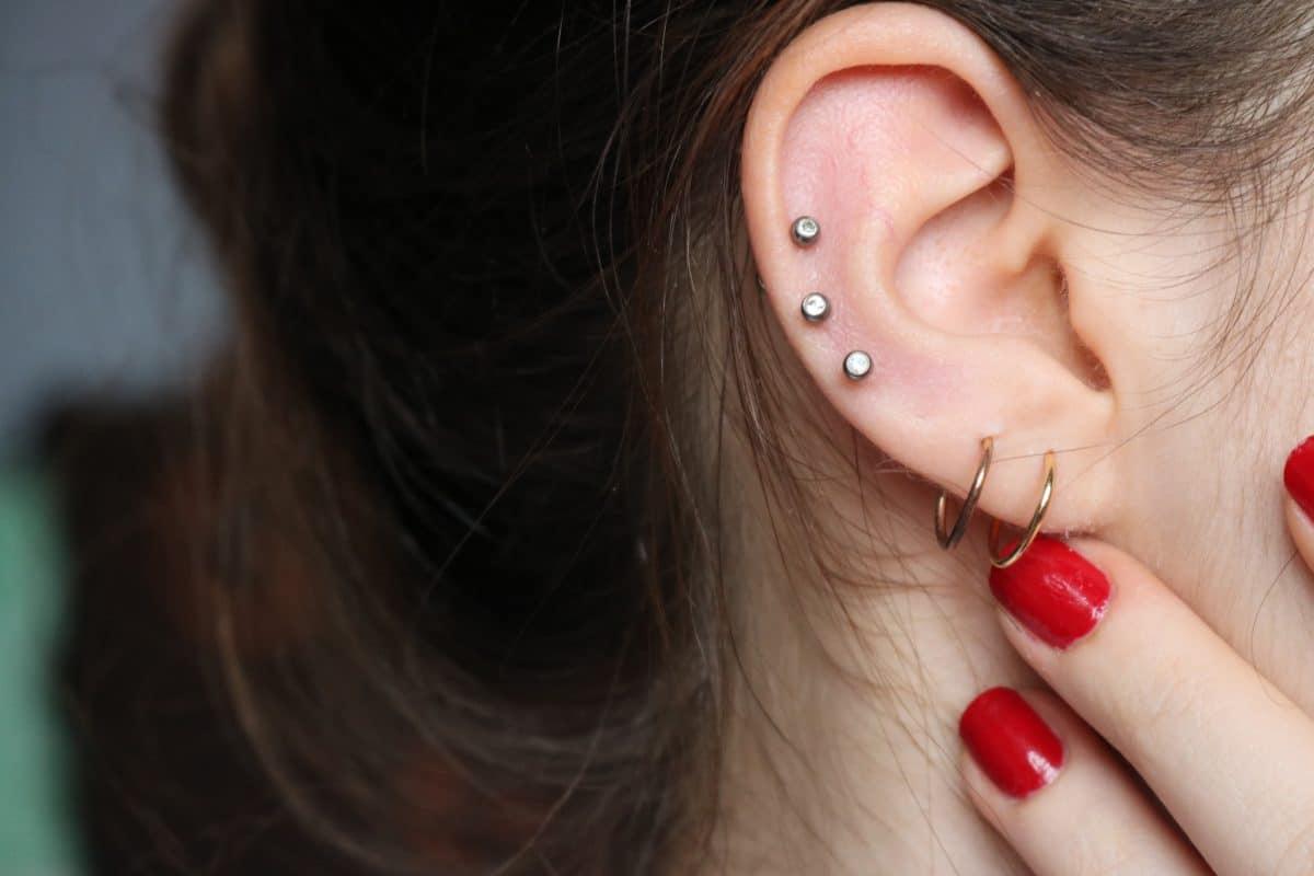 """""""Ear Seeds"""": Dieser Ohrschmuck-Trend hilft gegen Stress"""