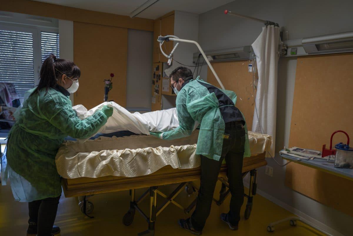Frankreich: Mehr als 15.000 Corona-Tote und 100.000 Infektionen