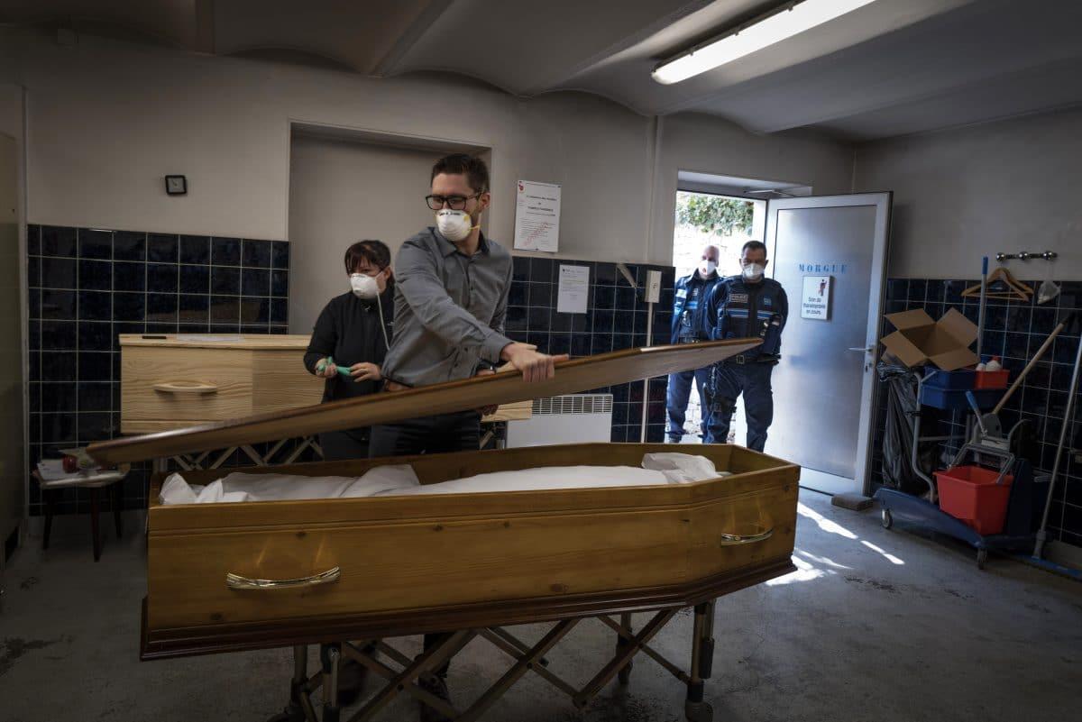 2.400 Corona-Tote in Altersheimen in Frankreich