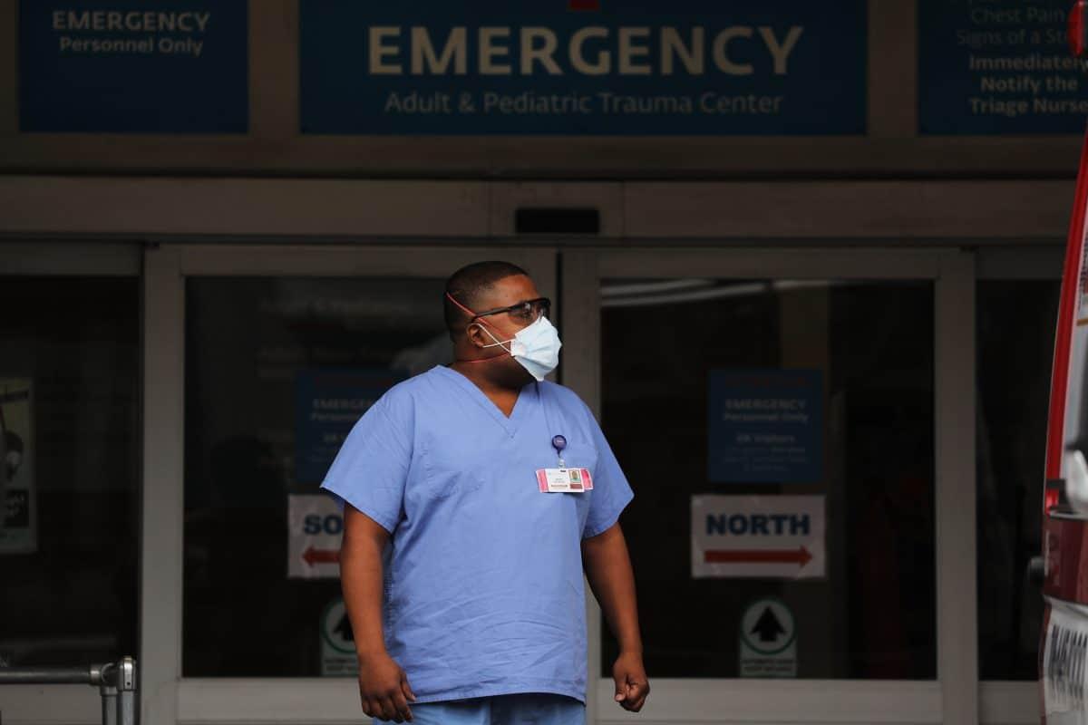 """Seelsorger aus Krankenhaus in New York: """"Wir sind alle erschöpft"""""""