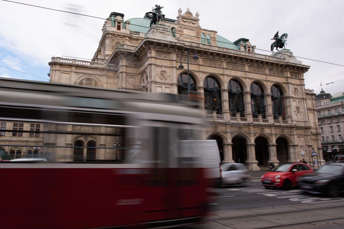 Nutzung öffentlicher Verkehrsmittel für Freizeitfahrten wieder erlaubt