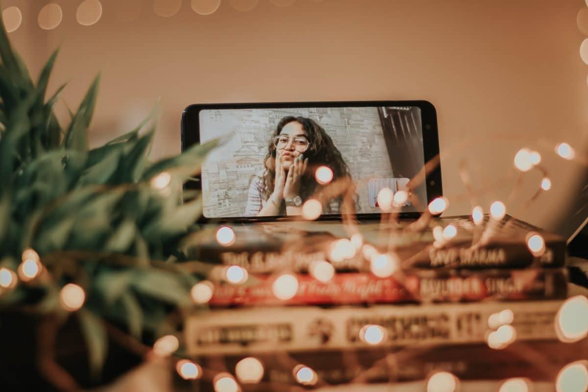 Online-Dating: 5 witzige Ideen für das virtuelle Video-Date