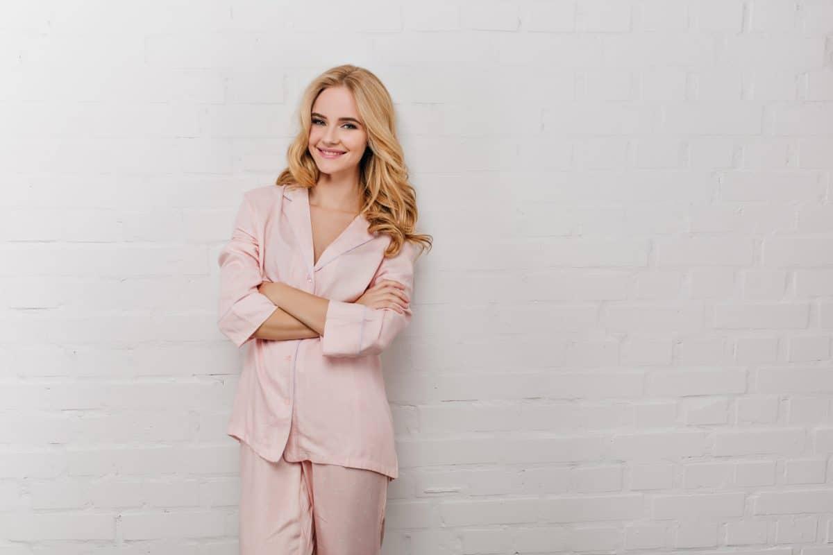 So stylst du den Pyjama als Street-Style-Look