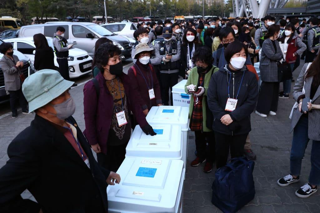 Südkorea hält mitten in der Corona-Krise Wahlen ab