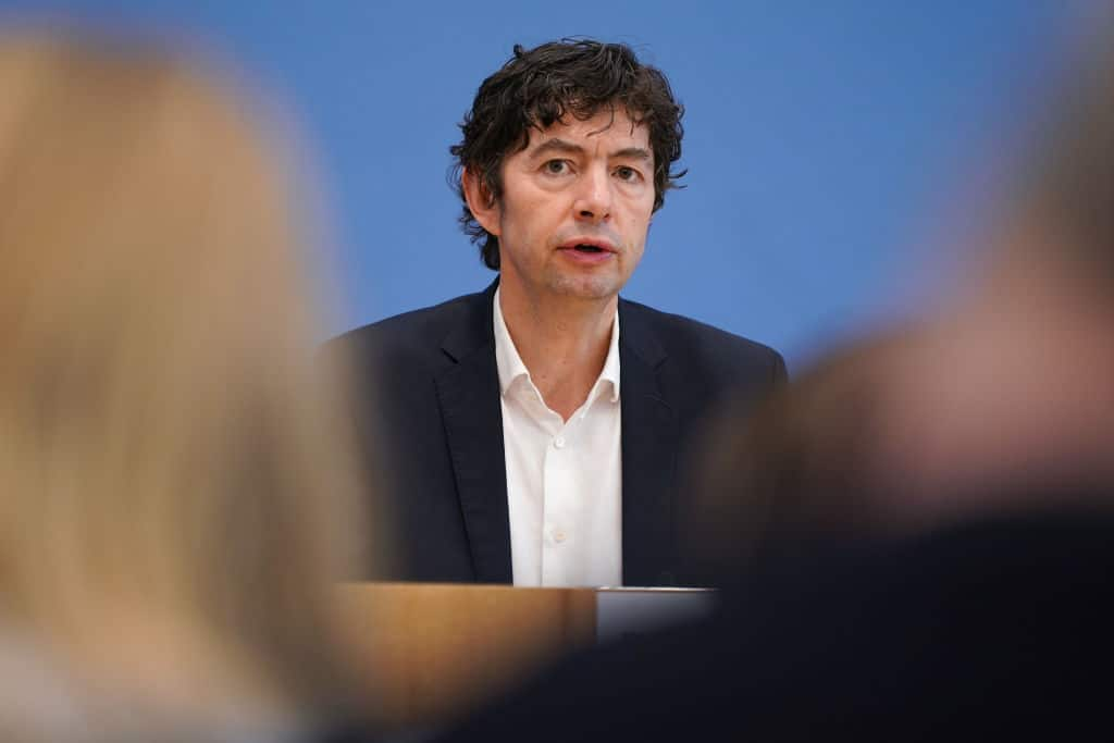 Coronavirus: Deutscher Virologe warnt vor zweiter Welle im Winter