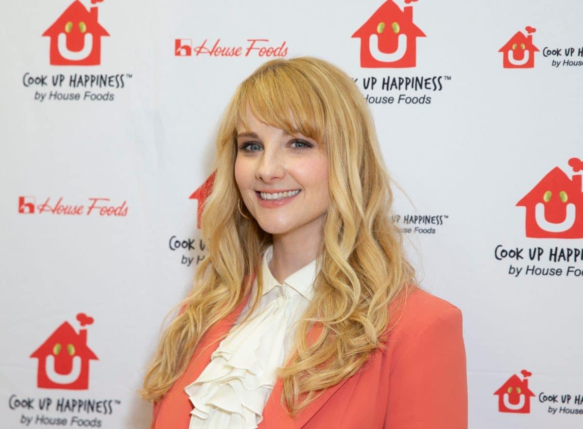 """Big Bang Theory""-Star Melissa Rauch bekommt zweites Baby, Vater sieht via FaceTime zu"