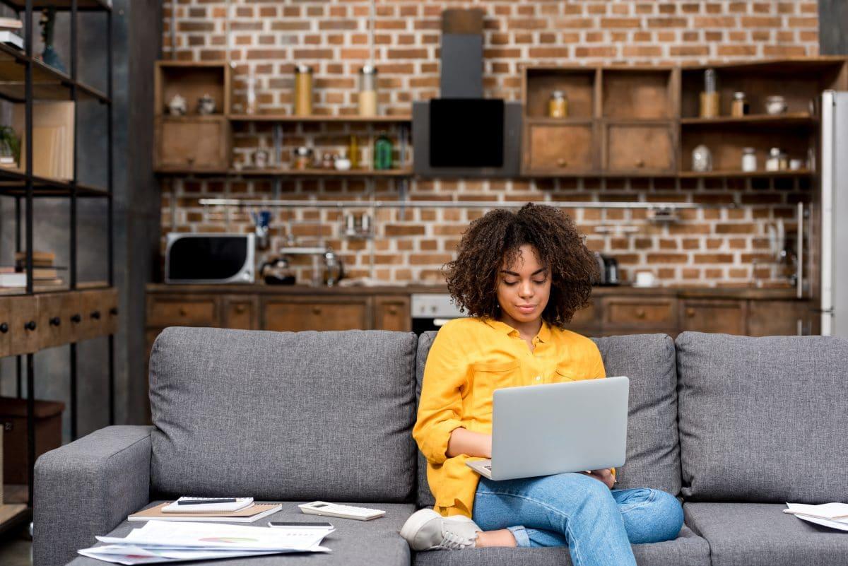 Diese 5 Sätze kennst du nur, wenn du im Homeoffice arbeitest