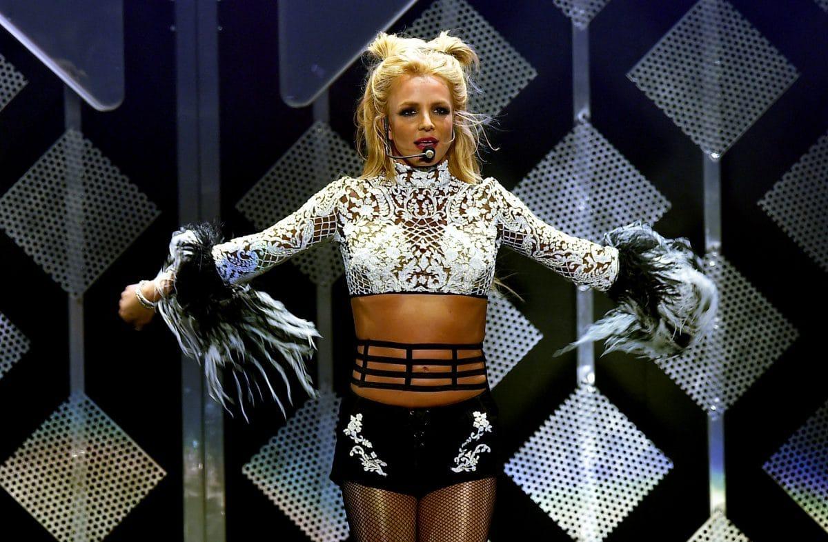 Britney Spears brennt Home-Gym mit Duftkerzen ab