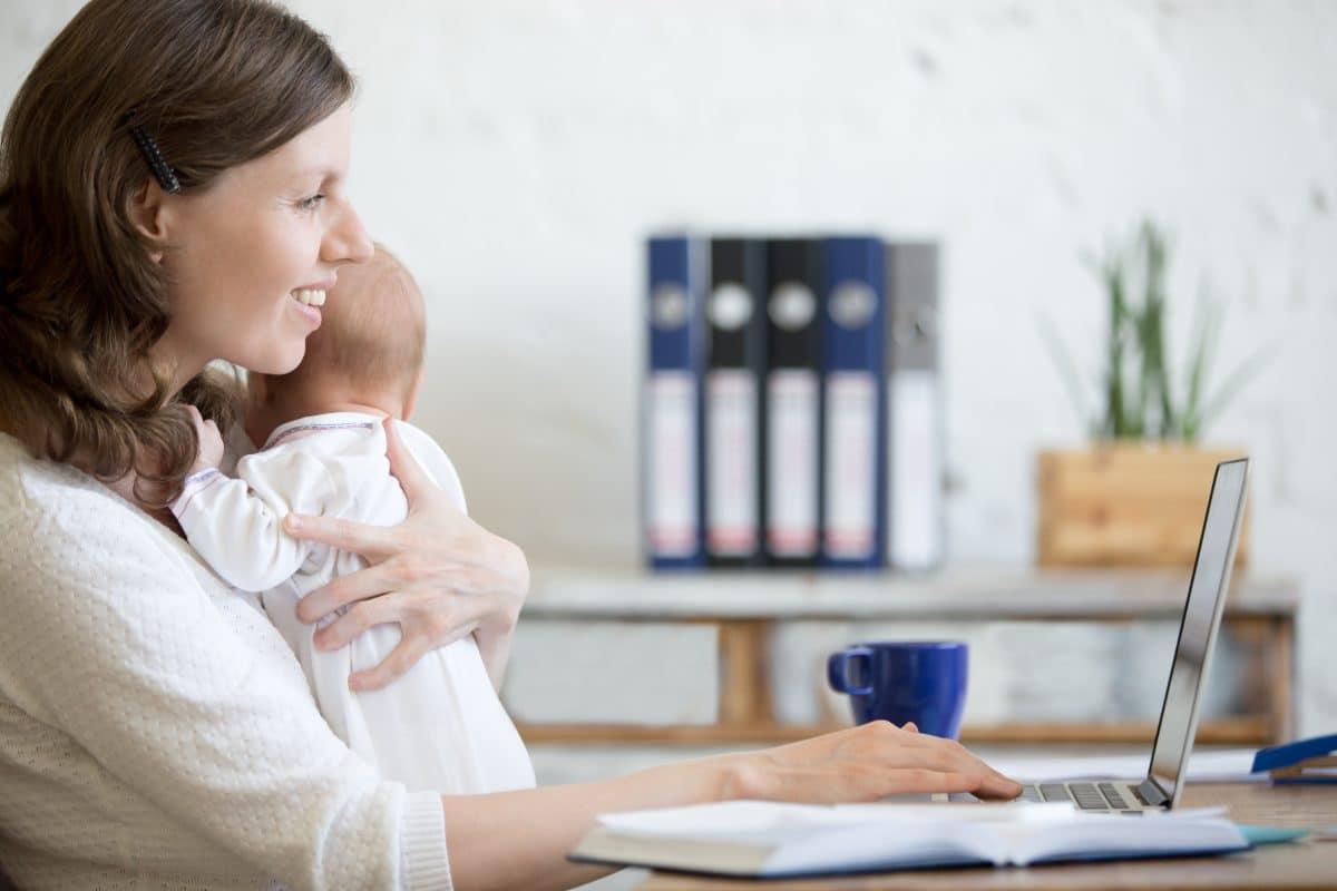 Mütter tragen auch während der Pandemie die Hauptverantwortung für die Kinderbetreuung