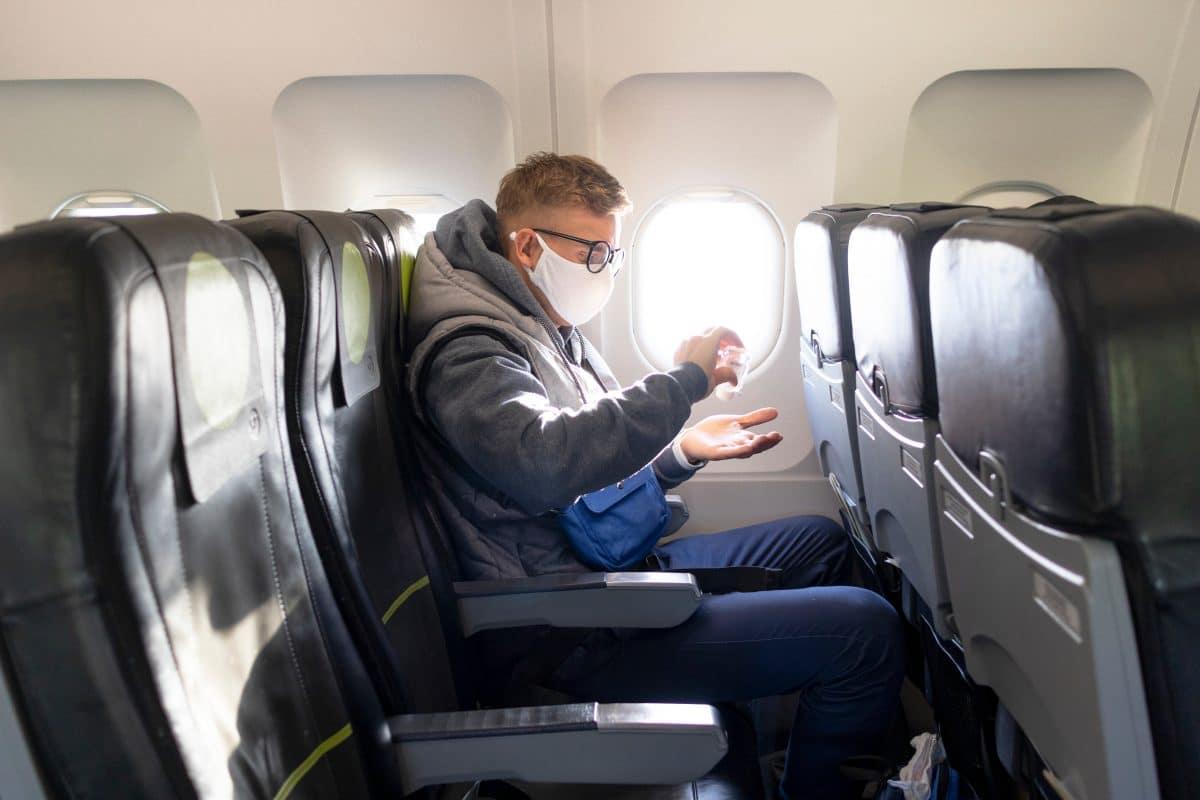 Masken und Abstandsregeln im Flugzeug: EU-Leitlinien für Flugreisen