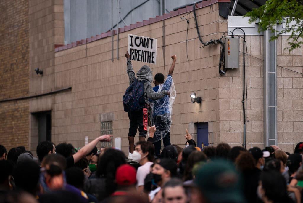 Polizist kniet auf Hals von Afroamerikaner: Tod von George Floyd führt zu Protesten