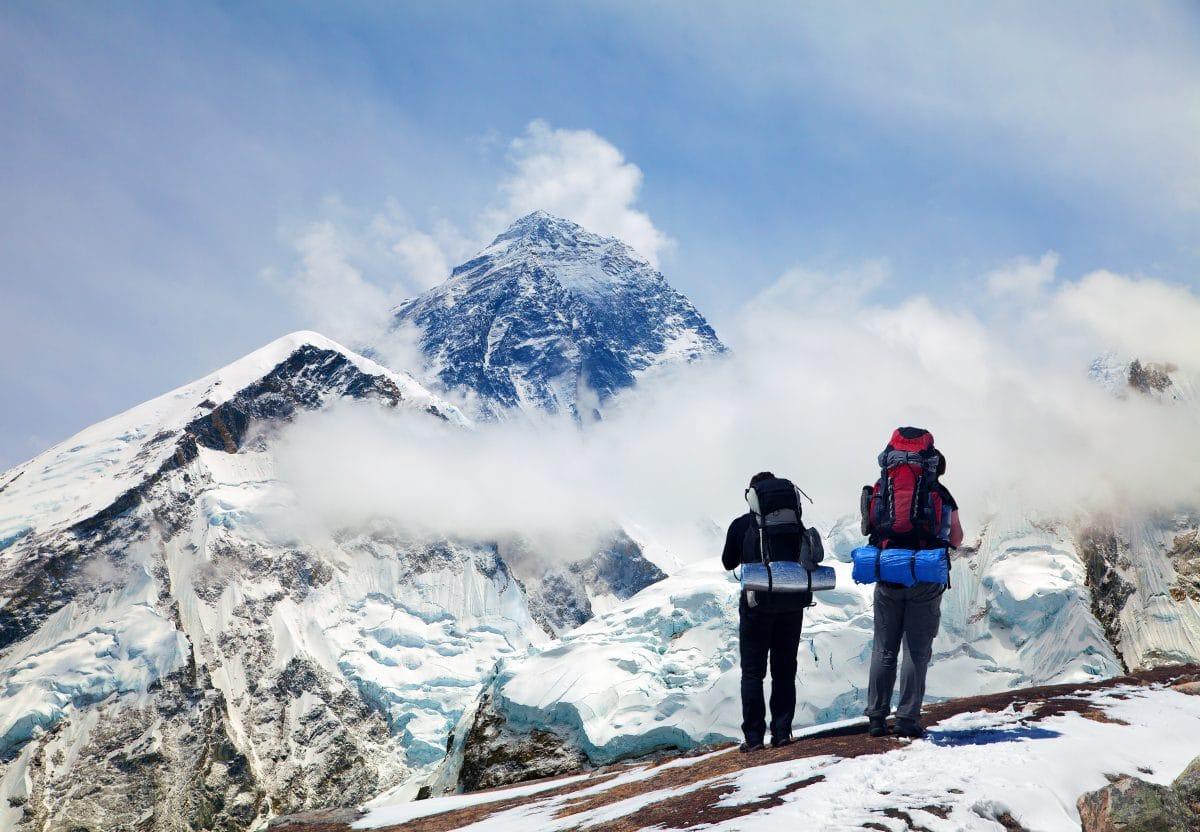 Reinigung am Mount Everest wegen Coronakrise verschoben