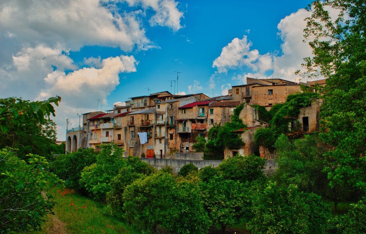 In dieser italienischen Stadt kannst du Häuser für 1 Euro kaufen