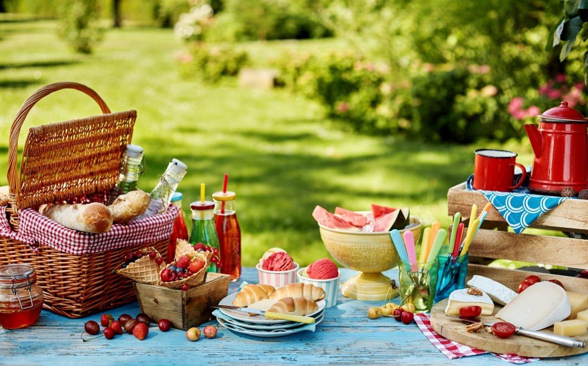 Die 5 besten Rezepte für ein sommerliches Picknick