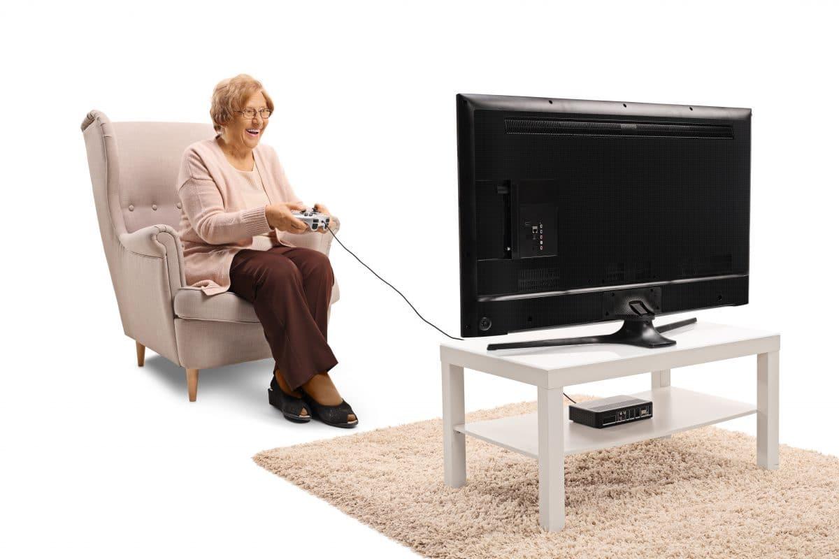 """90-Jährige """"Gamer Oma"""" spielt seit 40 Jahren Videospiele"""