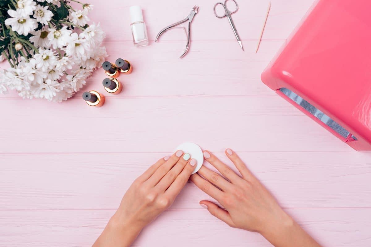 Half Dip Nails: Das ist DER neue Nageltrend