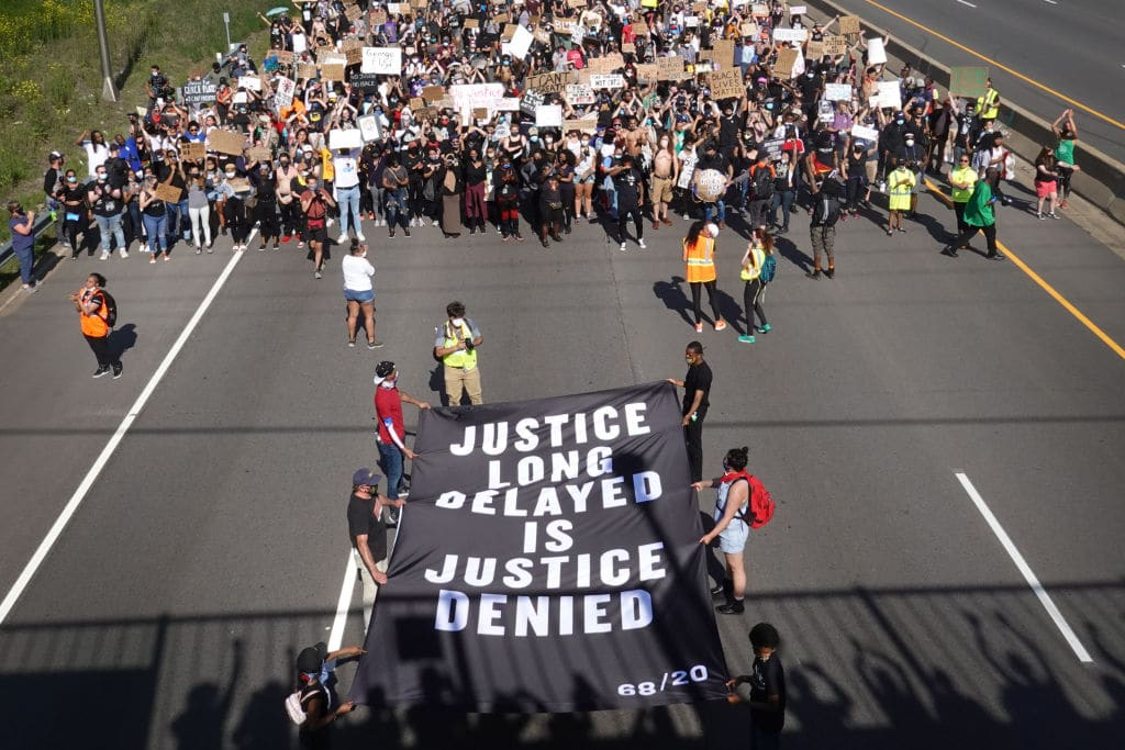 Proteste in Minneapolis: LKW fährt in Menschenmenge