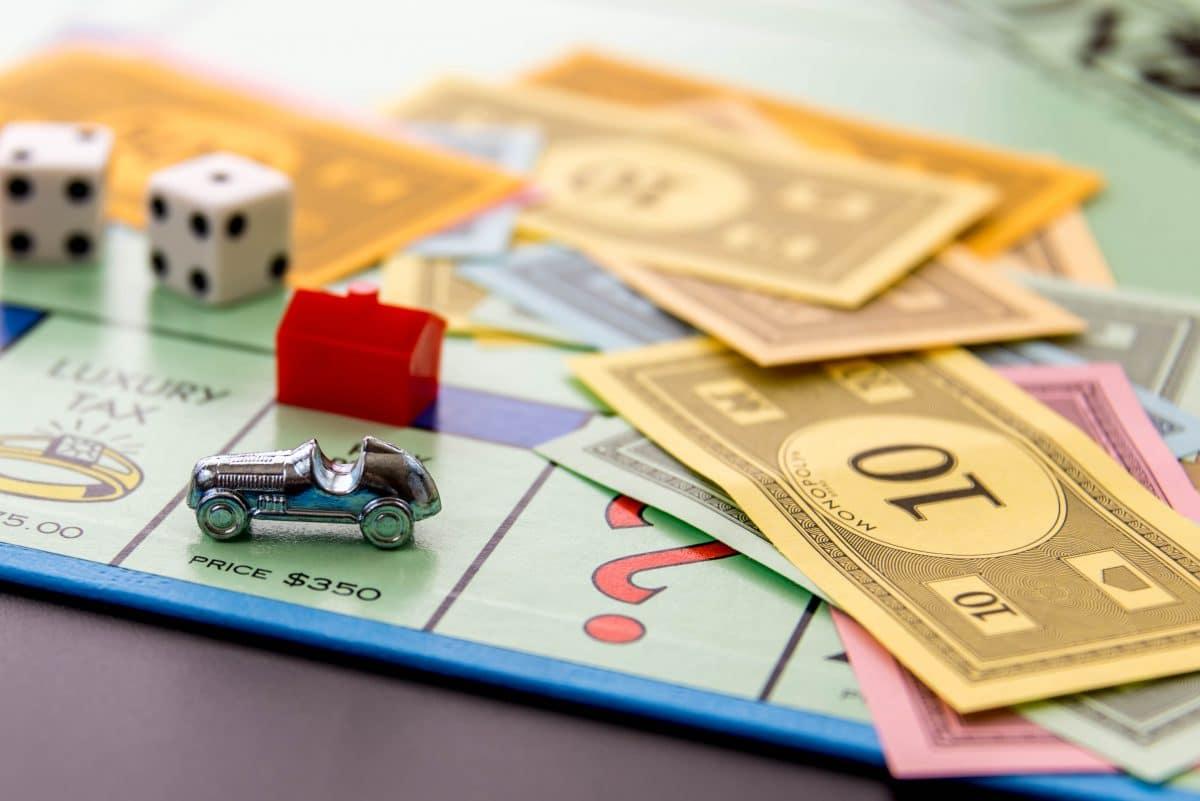 8-Jähriger will mit Spielgeld zahlen: Polizei ermittelt