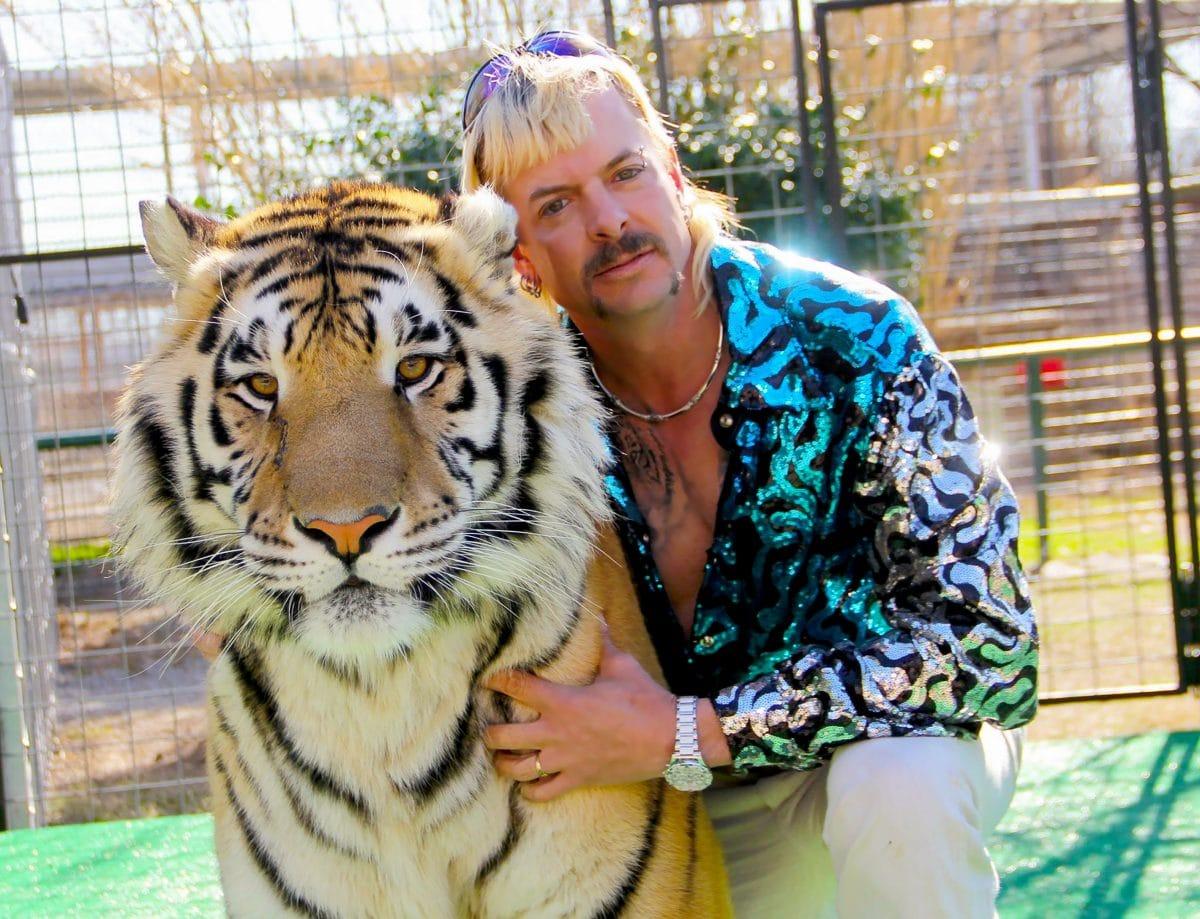 Tiger King: Joe Exotic meldet sich mit emotionalen Worten an seinen Ehemann aus dem Gefängnis