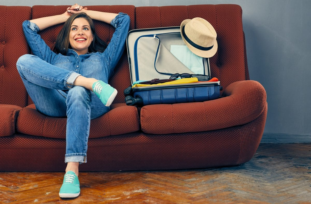 Bei diesem Traumjob wirst du für Sightseeing auf der Couch bezahlt