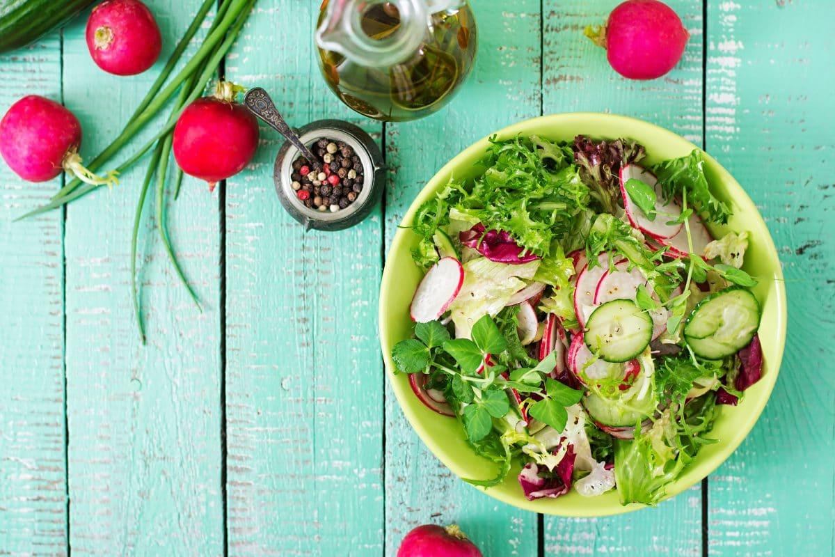 5 Grillsalat-Rezepte für deine nächste Gartenparty
