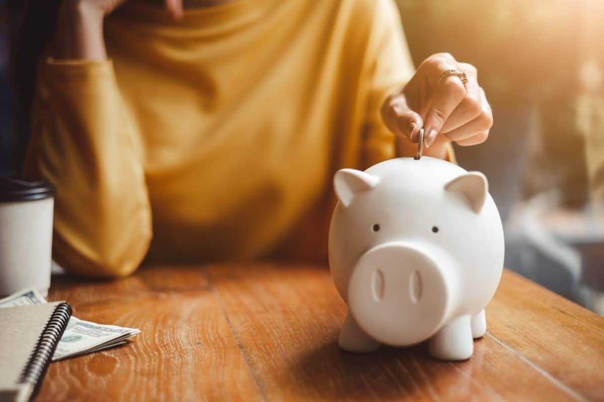 Diese 5 kleinen Veränderungen im Alltag können dir helfen, Geld zu sparen