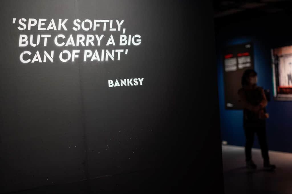 Banksy wirbt mit Ratten fürs Maskentragen