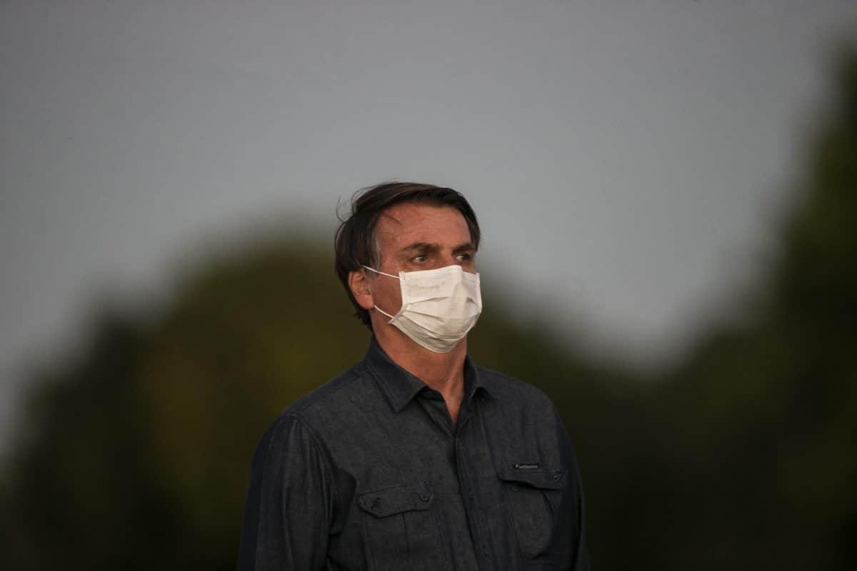 Brasilien: Präsident Bolsonaro erneut positiv getestet