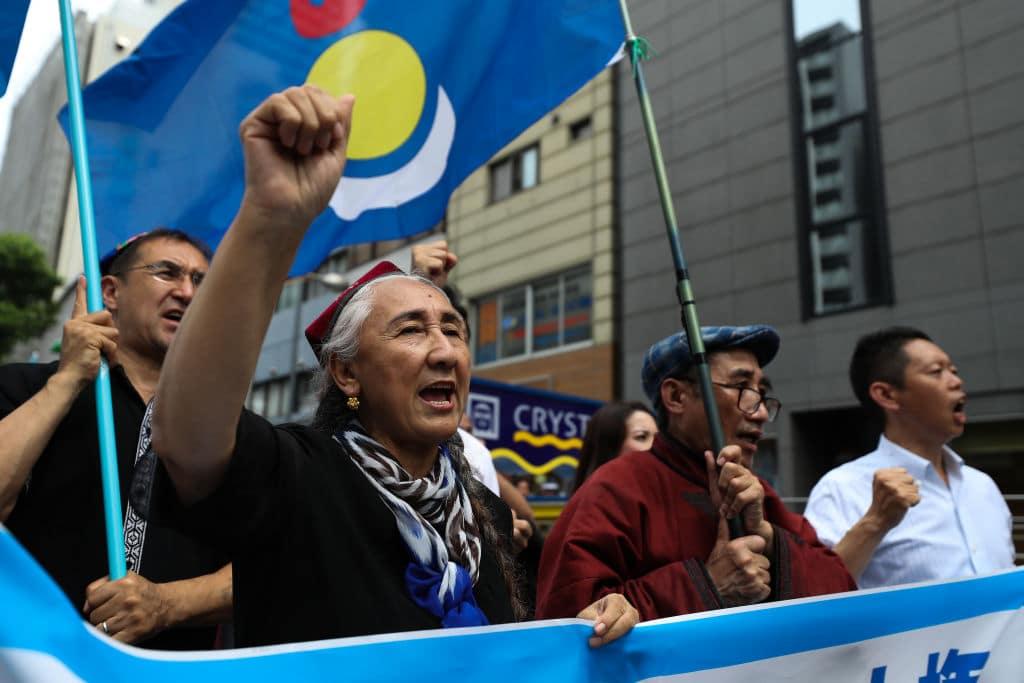 China zwingt Minderheiten zur Sterilisation und Verhütung