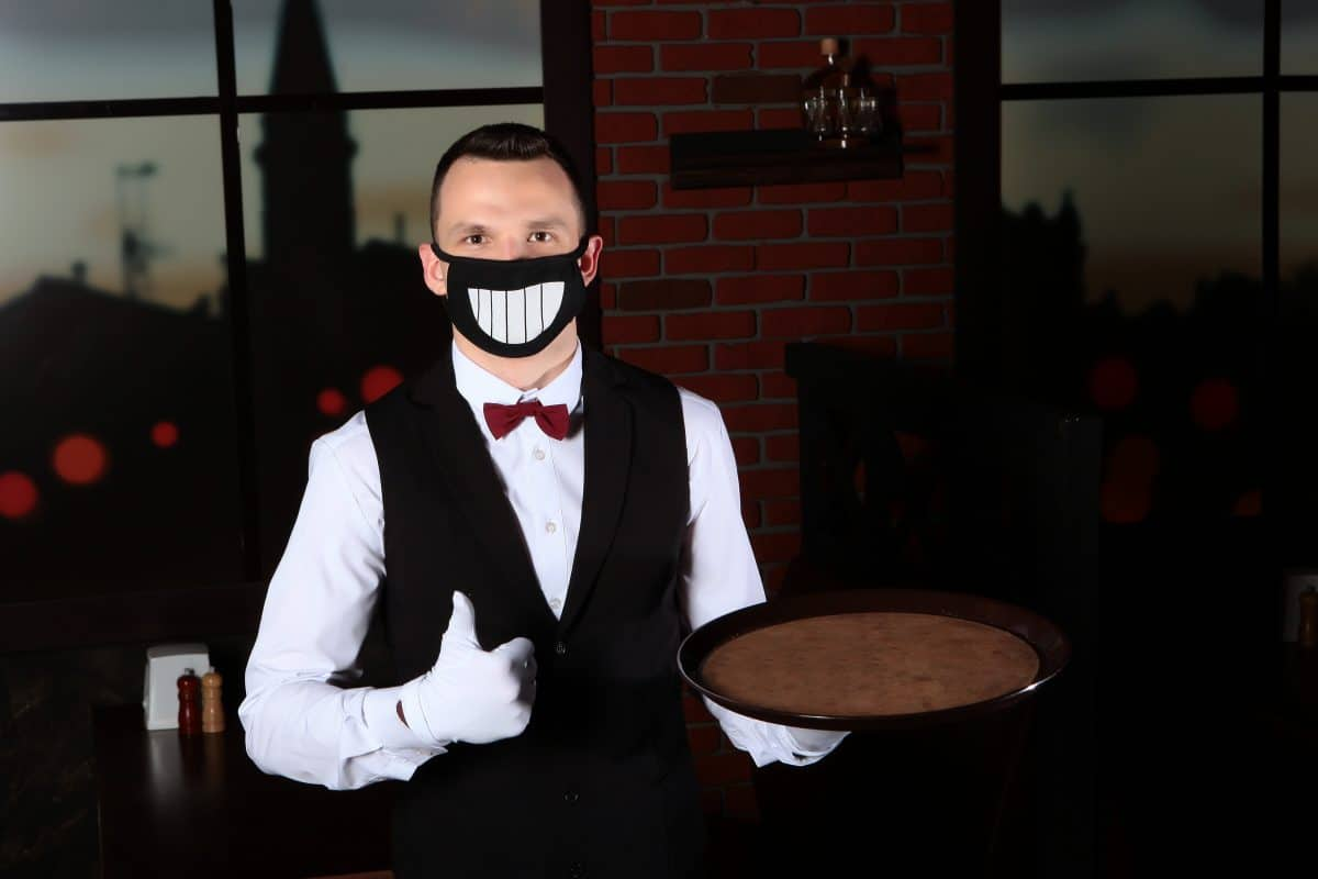 Neue Corona-Regeln im Juli: Keine Maskenpflicht für Kellner