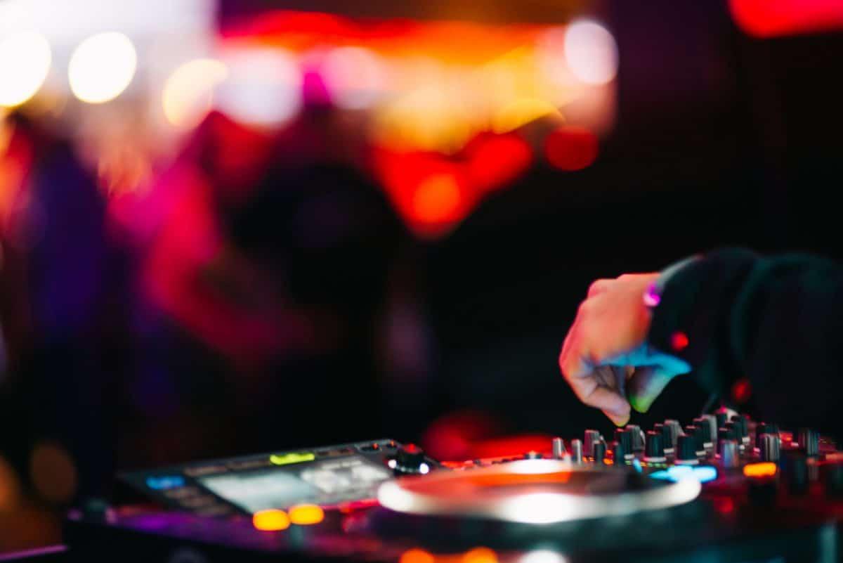 Geplante Corona-Lockerung für Nachtclubs verschoben