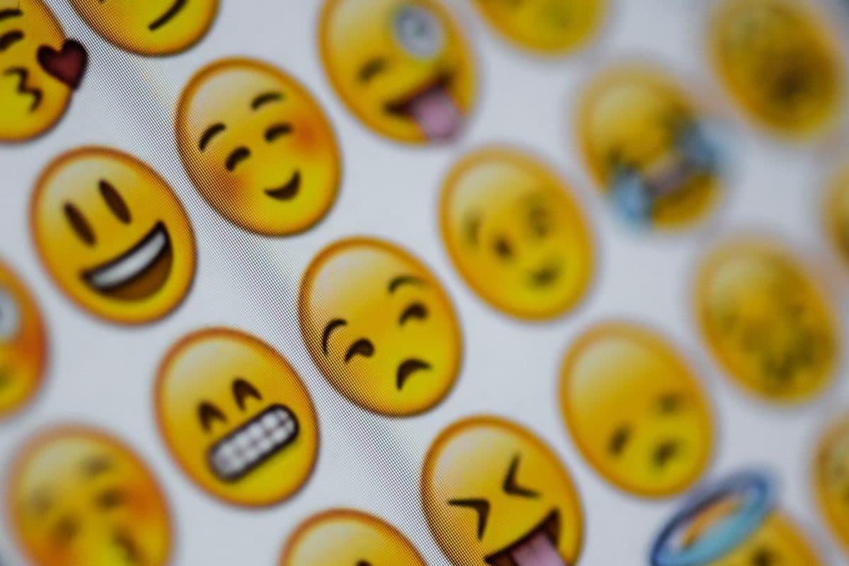 Diese 10 Emojis sollte es auf WhatsApp unbedingt geben