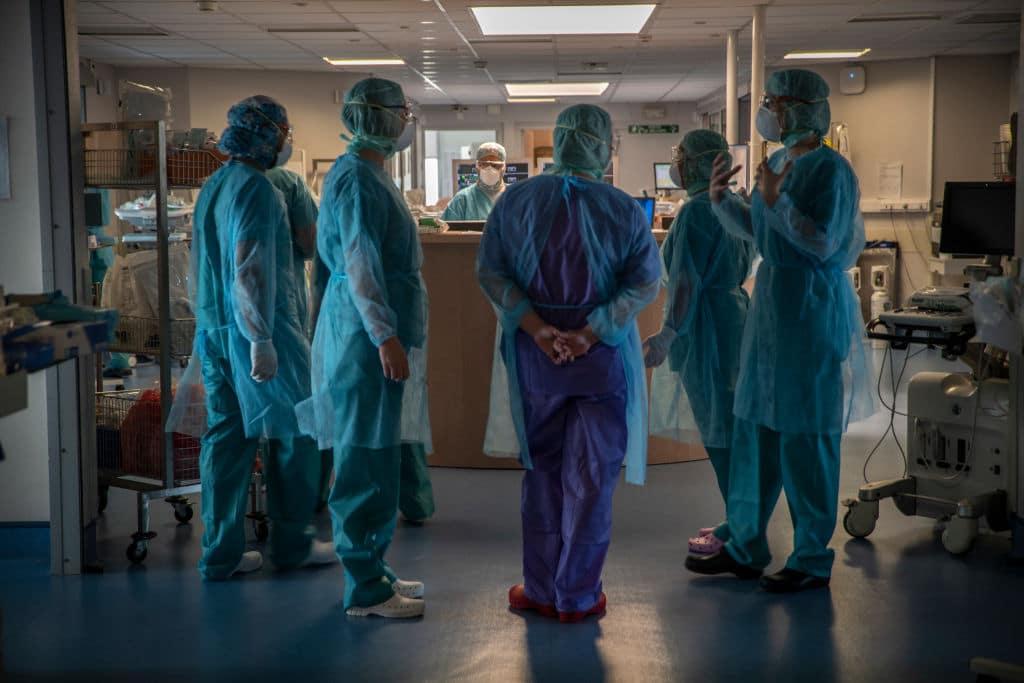 Frankreich erhöht Gehalt von Gesundheitspersonal