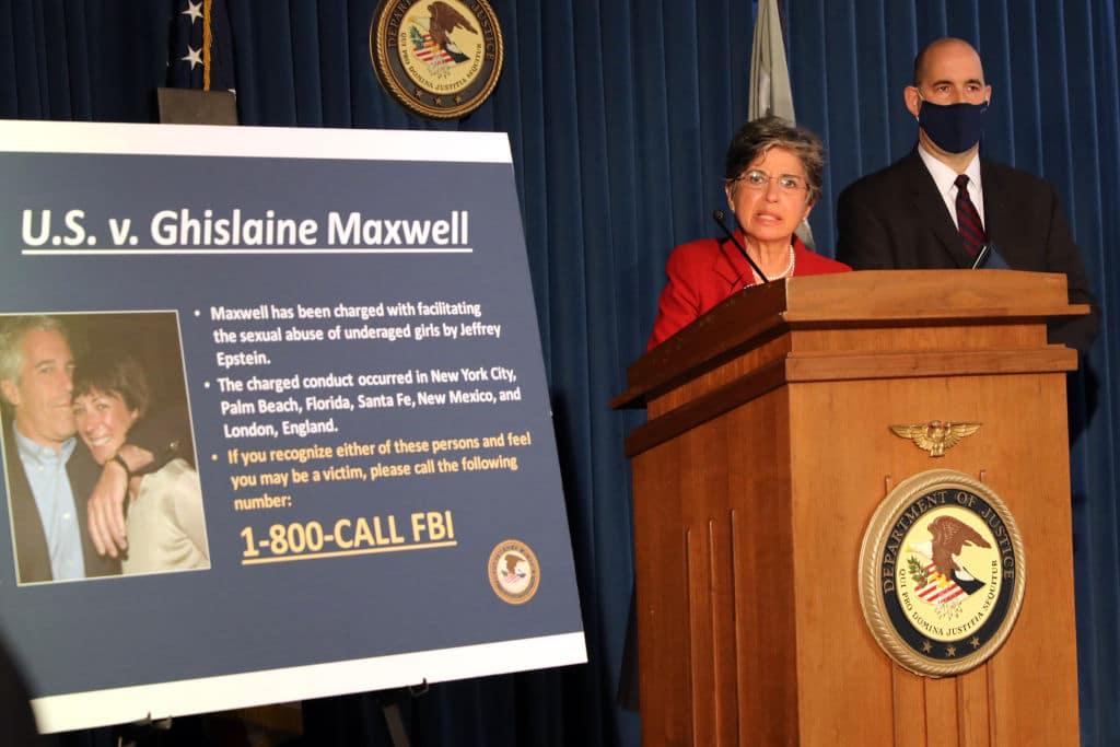 Ghislaine Maxwell: Vertraute von Jeffrey Epstein festgenommen