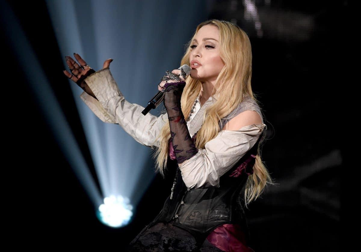 Madonna posiert halbnackt im Netz: Neues Foto sorgt für Aufregung