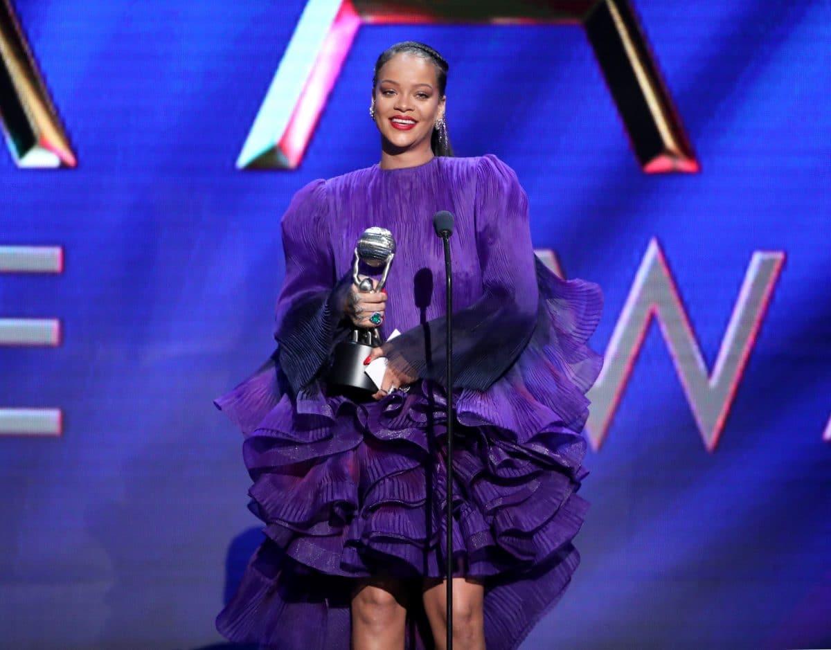 Rihanna bringt eigene Gesichtspflege auf den Markt