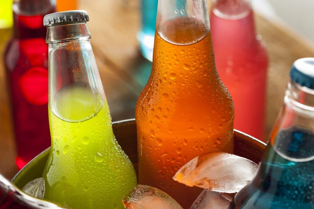 Mit diesen 5 Tipps kannst du deine Getränke im Sommer schneller kühlen