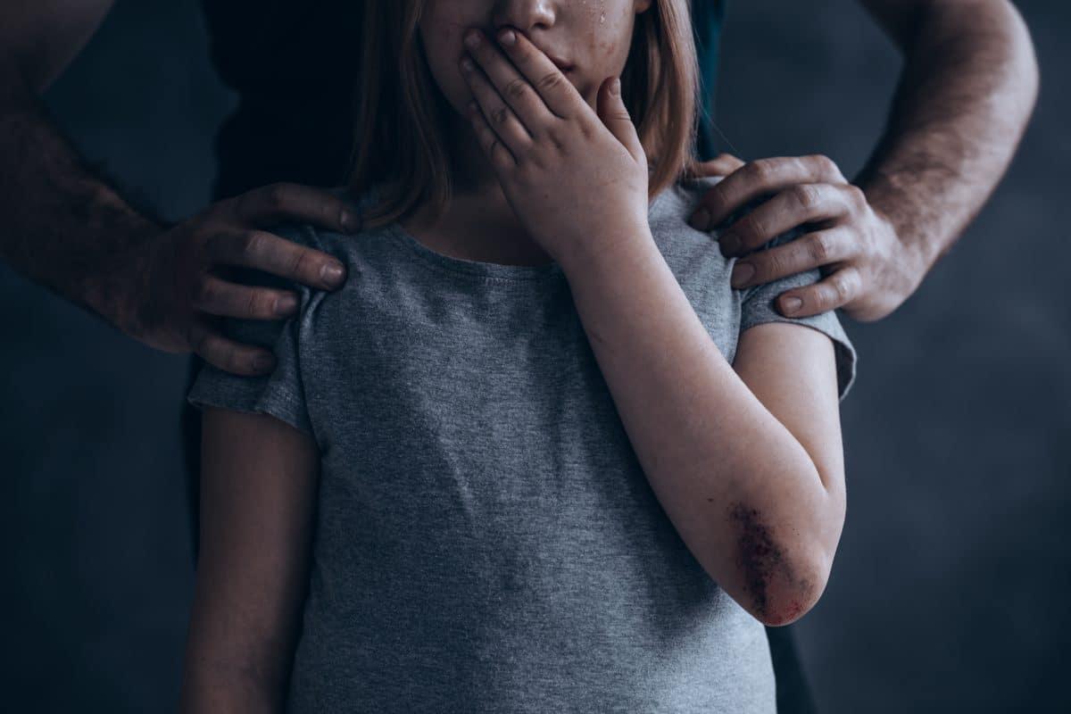 Mobbing und Misshandlung lassen Kinder schneller altern