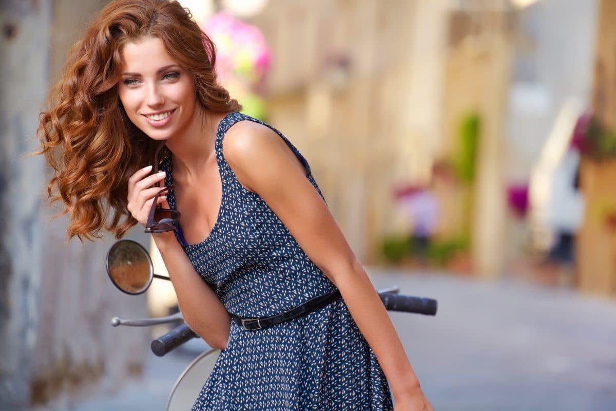 Mit diesen Tipps verhilfst du deinen Haaren zu mehr Volumen